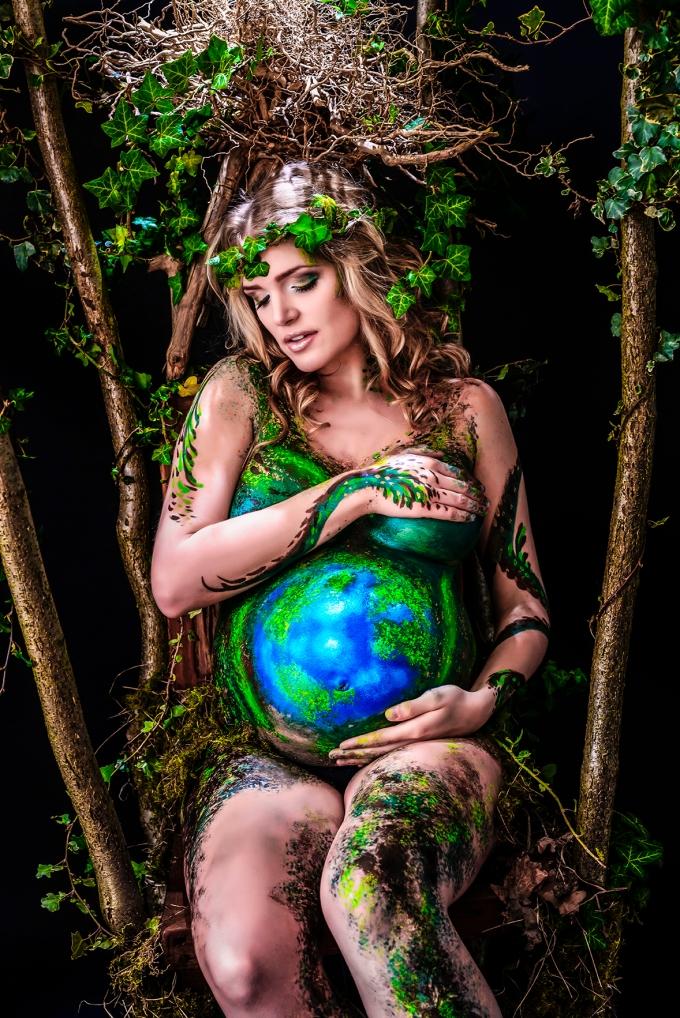 Oona as Earth Goddess